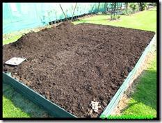 Grote bak vol paardemest en compost