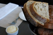 360-restuarant-cn-tower-bread