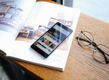 Xiaomi Redmi 3 di atas majalah