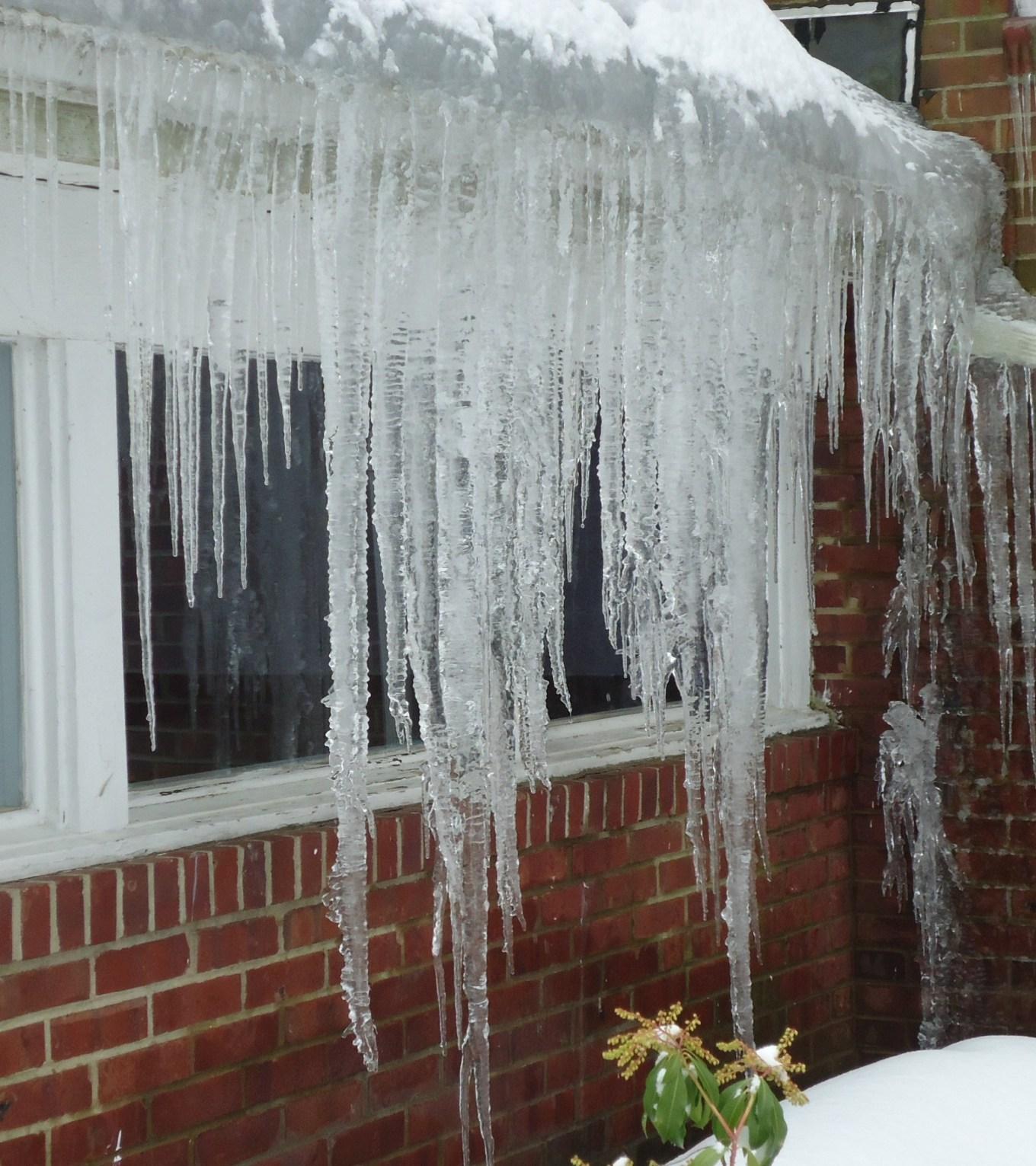 Best Bergen County Frozen Gutter Services