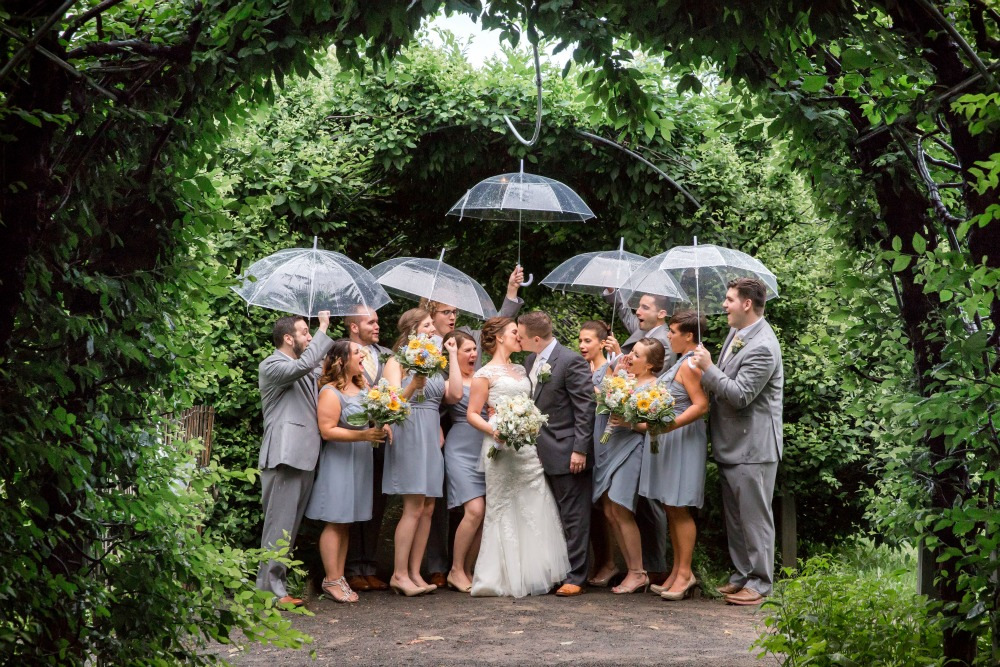 Dee Kay Events ǀ NYC Modern Vintage Wedding ǀ NJ Wedding Planner ǀ Rainy NYC Wedding I Wedding in the rain
