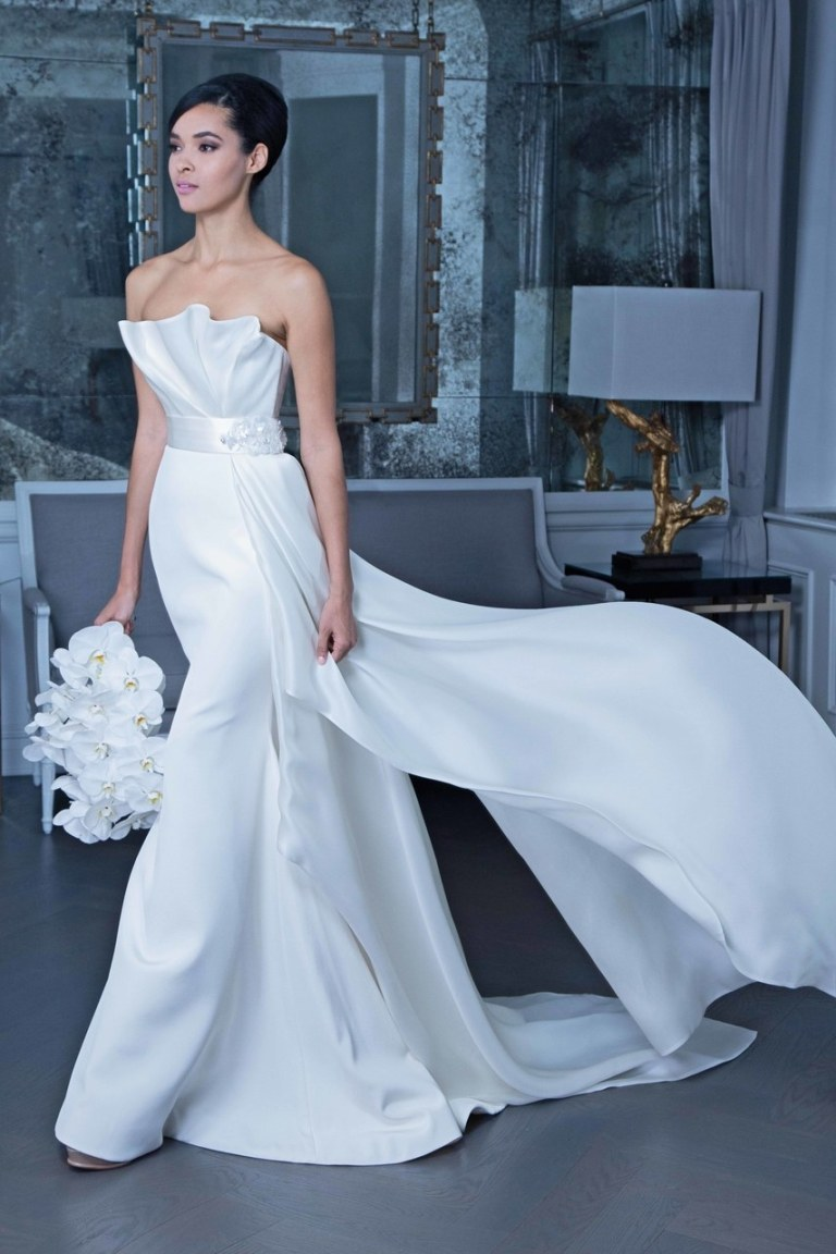 y Events | NYC 2018 Bridal Fashion Week | Romona Keveza Bridal I Hip Wedding Dress