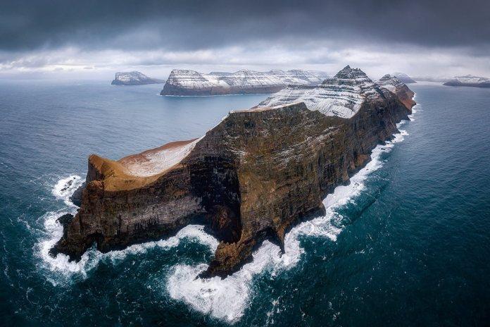 'Above Water Seascapes' Winner: Pawel Zygmunt