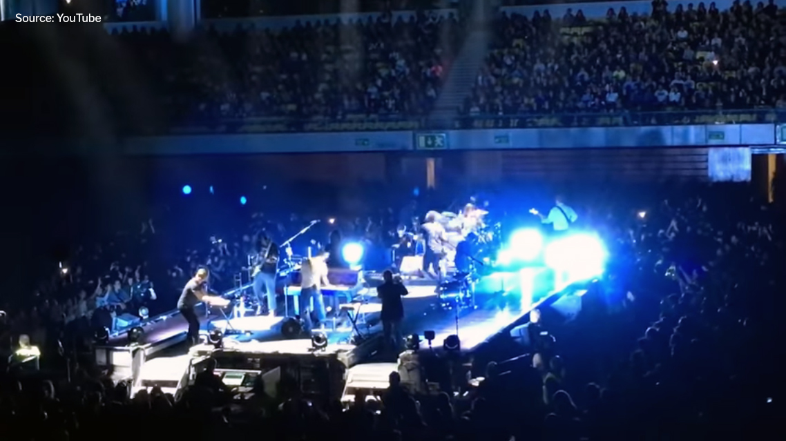 """Video: Watch Gang of Youths join Mumford & Sons to cover The Middle East's """"Blood"""""""