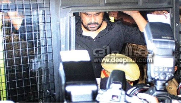HC postpones hearing of Dileep's bail plea : deepikaglobal ...