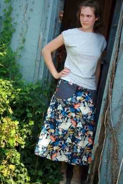 A Portrait Of Feminine Dress, Pt 2 Mix-N-Match, floral skirt, modest, young lady standing in front of a barn, casual look,