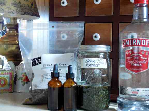 Make Your Own {Non-Processed} Stevia Extract, essential oil dropper, liquid extract, homemade, natural, green, no-side-effect, glycosides, sweetener, cooking, sweet tea, dried herb, Bulk Herb Store, DIY, vodka, smirnoff, dark amber glass bottles, canning jar, kitchen chemistry, essential oil dropper, liquid extract, homemade, natural, green, no-side-effect, glycosides, sweetener, cooking, sweet tea, dried herb, Bulk Herb Store, DIY,