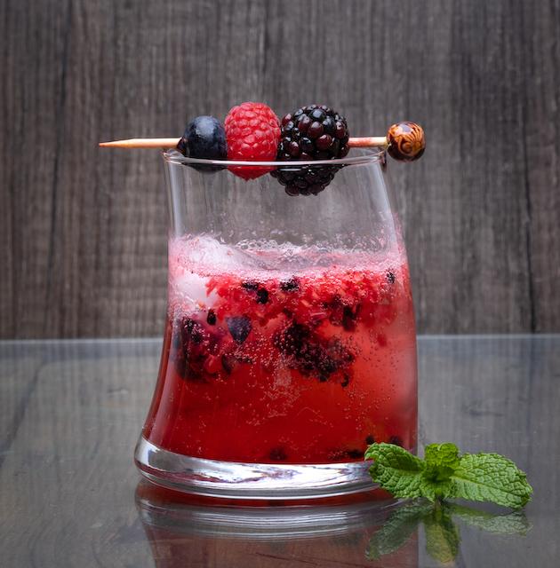 Recipe - Berry Gin Mint Smash