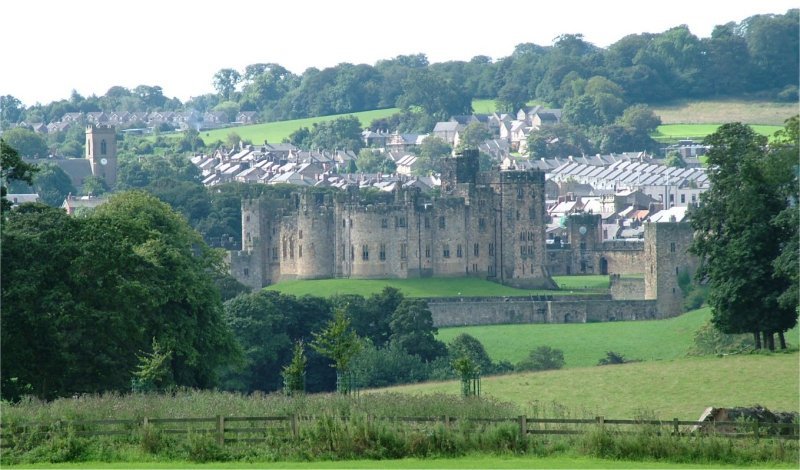 Image of Alnwick and Alnwick Castle Northumberland for the Contact Deep Space Marketing page