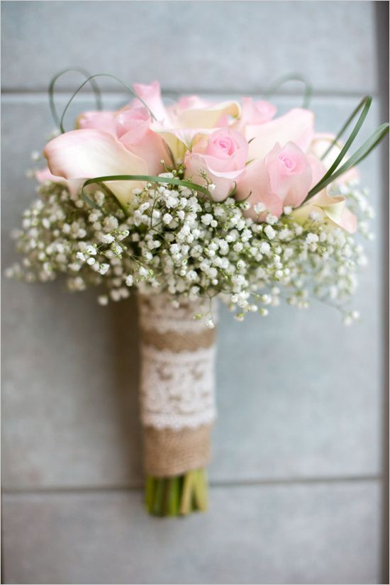 pink roses and baby's breath bouquet