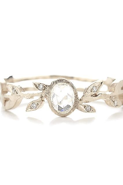 40 Gorgeous Wedding Bands For Women Deer Pearl Flowers