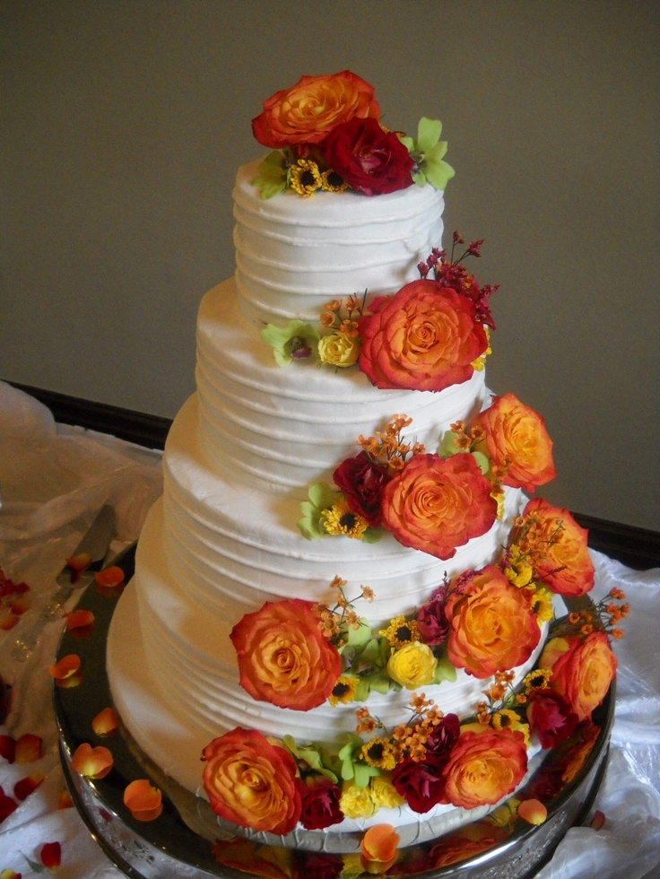 awesome buttercream fall wedding cake with orange roses   Deer Pearl     awesome buttercream fall wedding cake with orange roses