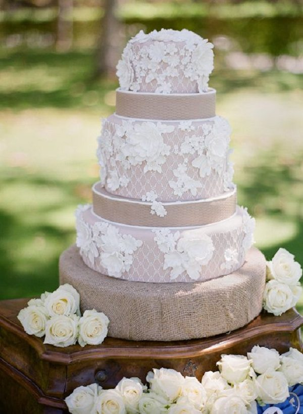 30 Burlap Wedding Cakes for Rustic Country Weddings   Deer Pearl Flowers     Ideas Rustic country lace and burlap wedding cake