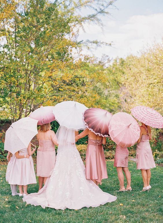 Must-Have Wedding Photos With Your Bridesmaids