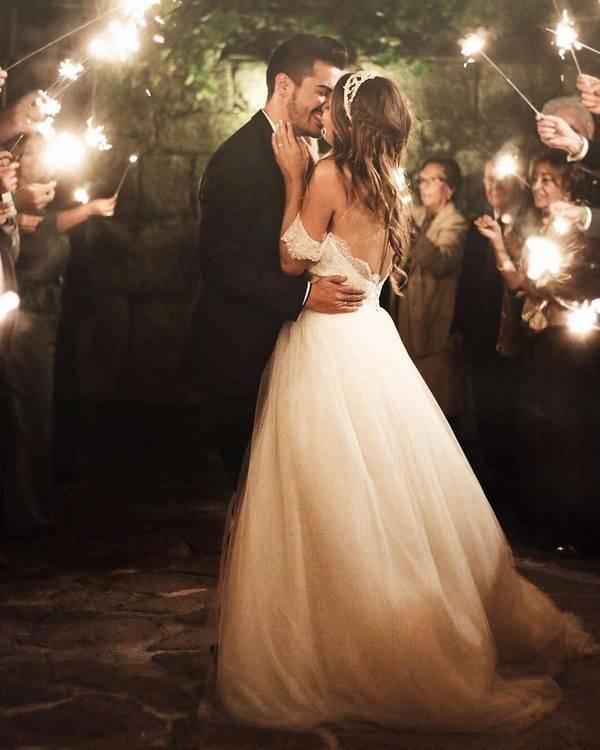Romantic rustic country light wedding photo