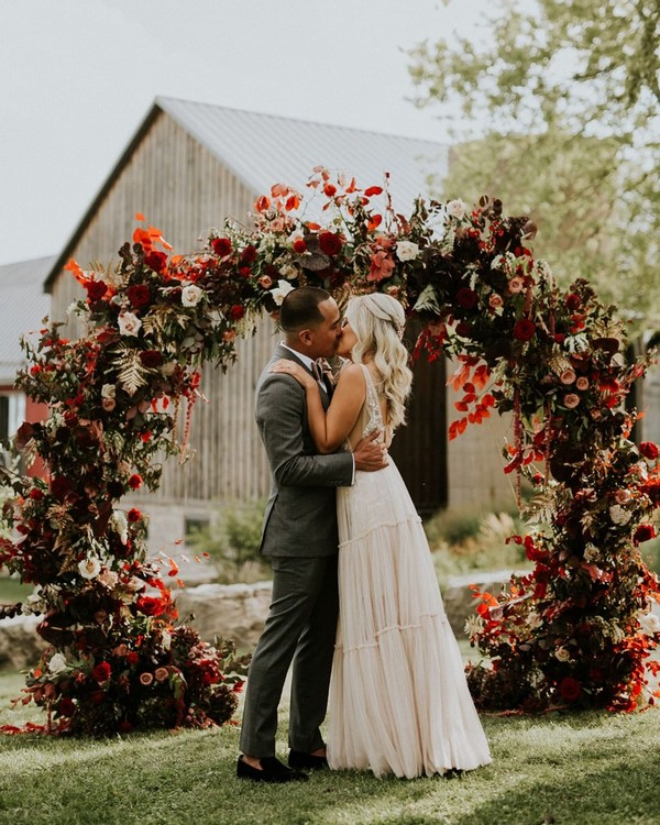 fall circle wedding backdrop