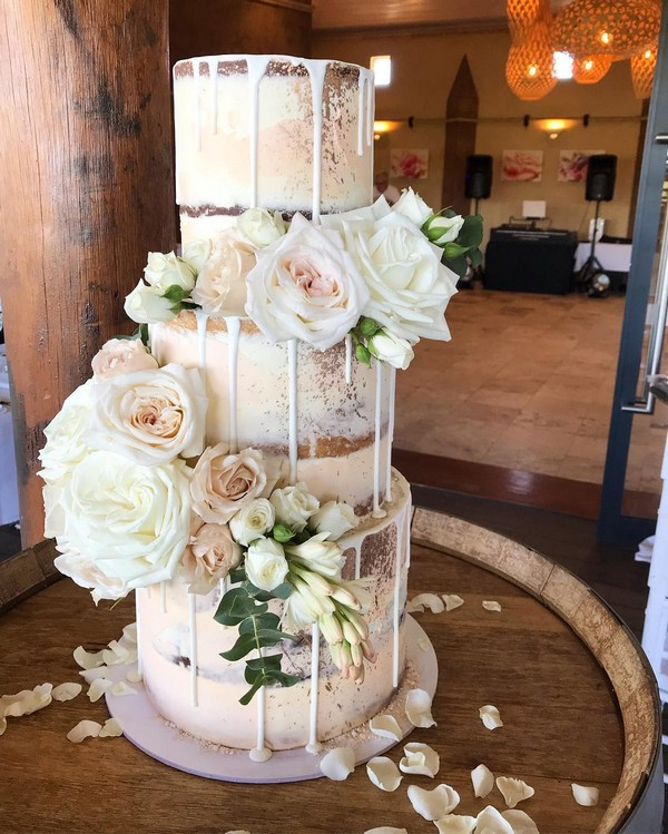 rustic naked wedding cake 14