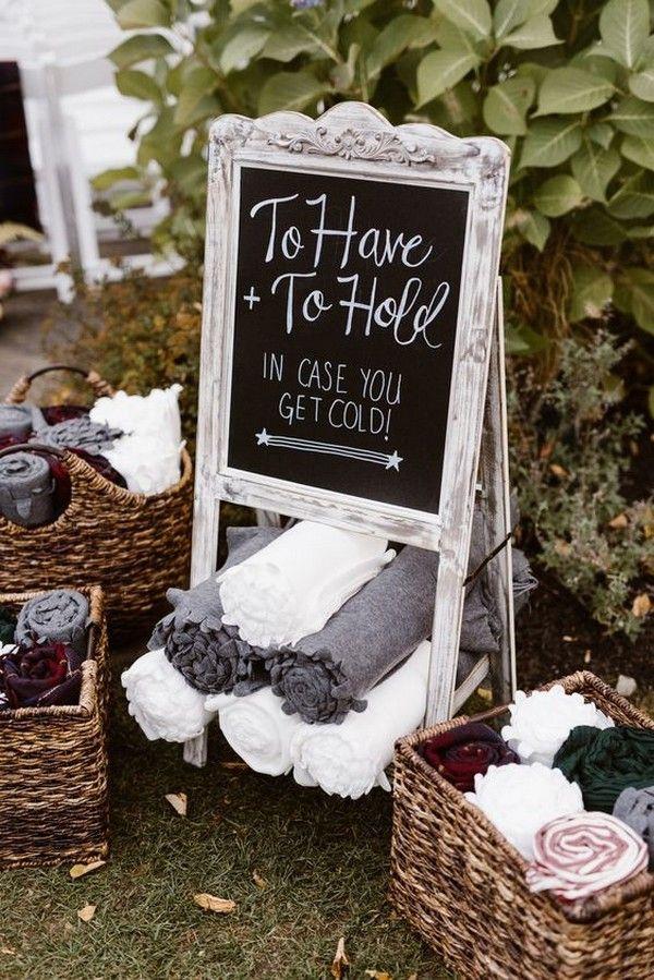 outdoor wedding favor ideas blankets