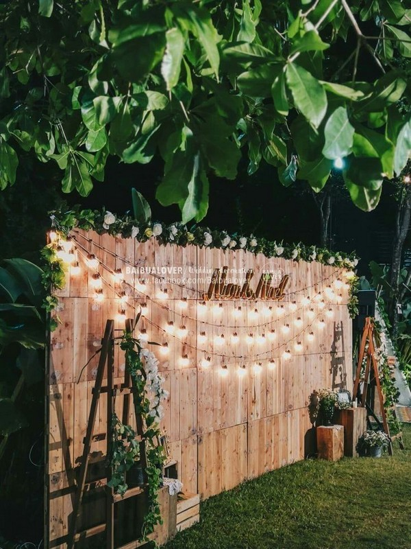 rustic country wooden pallet wedding backdrop
