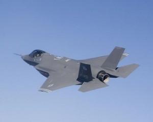 Lockheed_Martin_F-35_Lightning_II_inflight