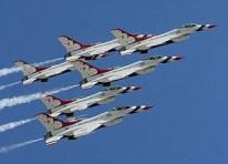 Thunderbirds dazzle Disney crowd during Air Force Week in Florida