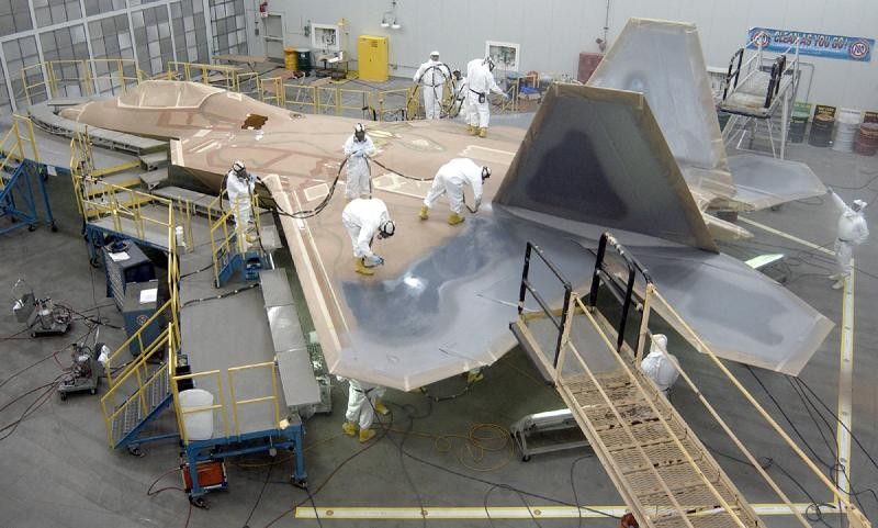 Why did the United States stop F-22 production? Could Lockheed Martin Restart the production line?