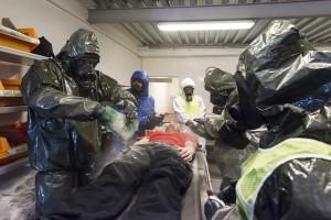 Exercice de simulation de décontamination chimique à l'hopital