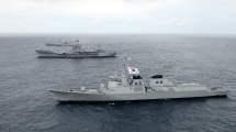 Deux navires militaires de Corée du Sud