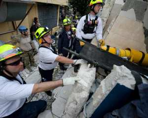 Fairfax County urban rescue team in Haiti