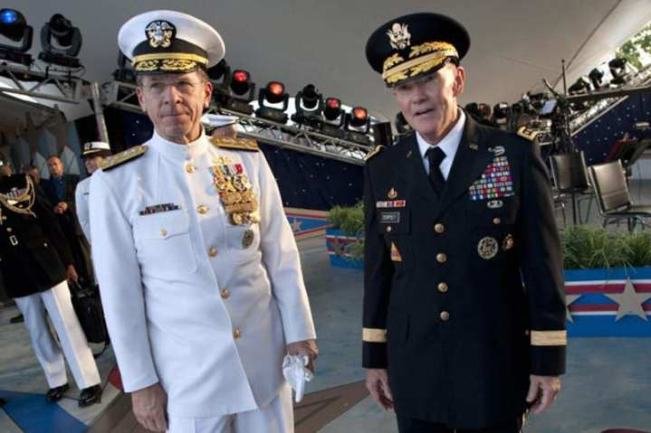 Adm. Mike Mullen with Gen. Martin Dempsey