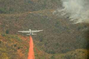 C-130 drops fire retardant