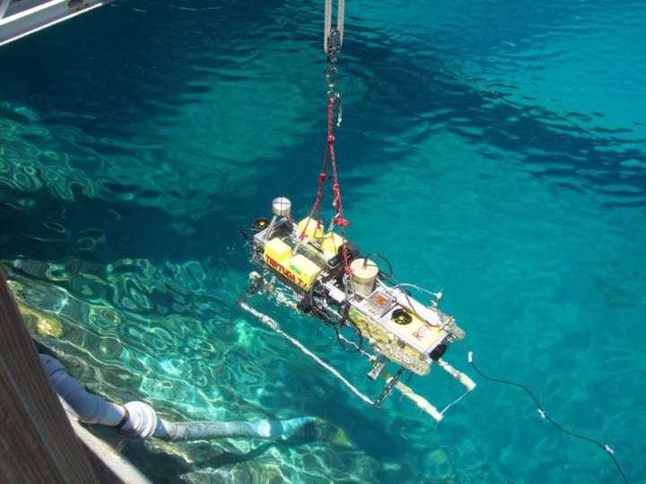 Autonomous Underwater Vehicle Tortuga IV