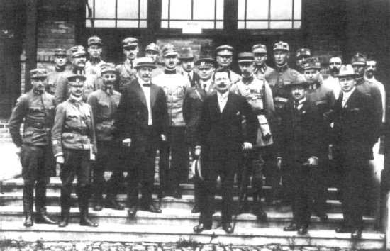 E.V. Voska with Czech defense minister, group photo