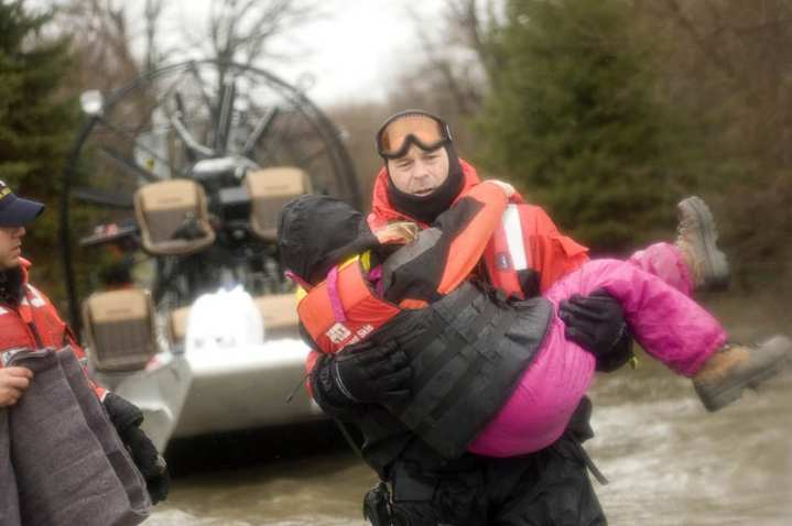 girl rescued from Fargo flooding