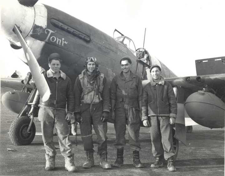 1Lt. Chuck-Gumm P-51B 43-6320-GQ-V 355th FS 1944