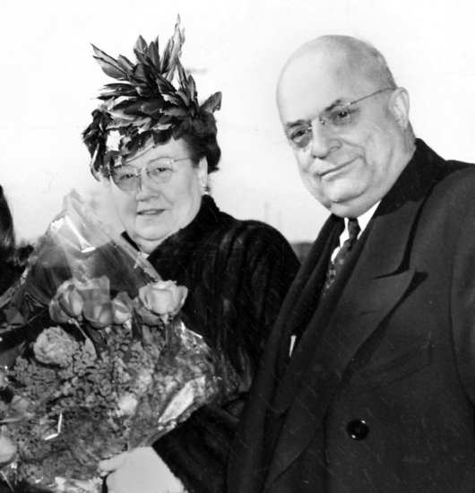 Industrialist Henry J. Kaiser (right) and his wife Bess. Kaiser Permanente photo