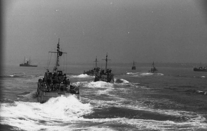 German R-type minesweepers operating near the coast of occupied France.  Bundesarchiv photo