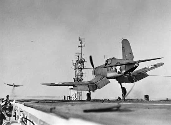 F4U-1 VF-17 USS Charger (CVE 30), 1943
