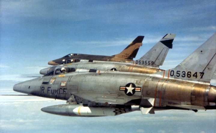 F100-Super-Sabre1.jpg?fit=720,444&ssl=1