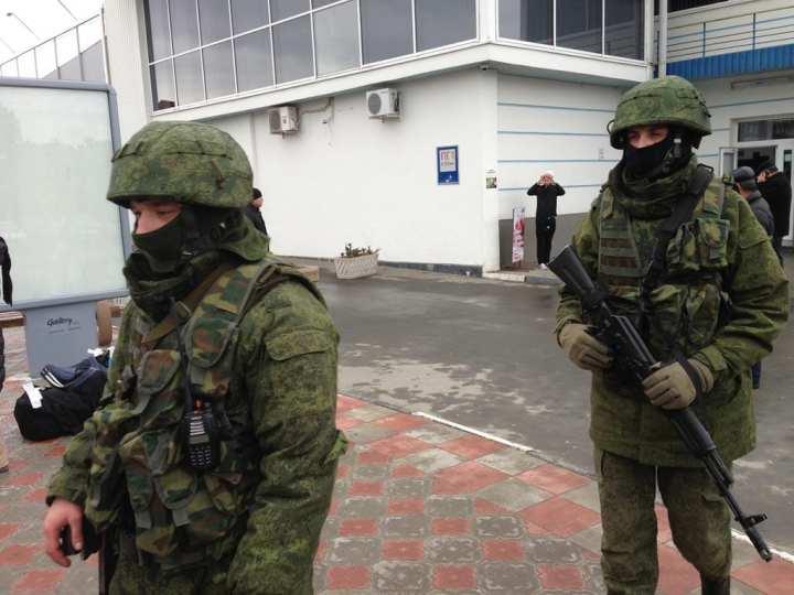 Ukraine, Crimea, Simferopol unidentified troops