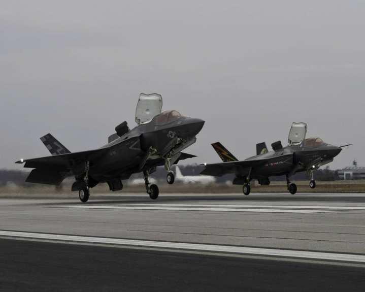 F-35B formation takeoff