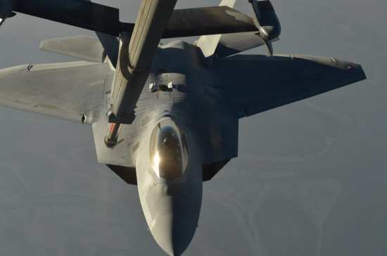 F-22 Syria tanking