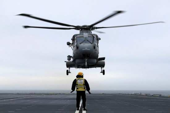 First Landing Aboard HMS Queen Elizabeth | Video