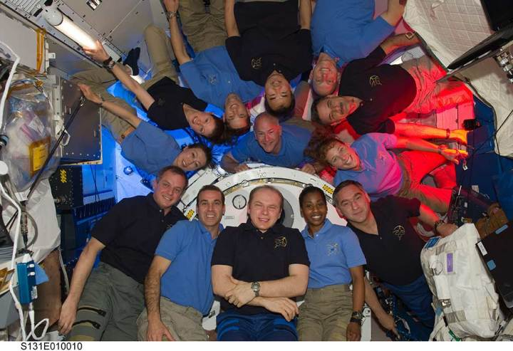 astronauts on space station ISS web