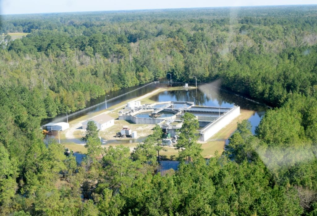 USACE's temporary emergency power team, working alongside FEMA in the aftermath of Hurricane Florence, sent Soldiers from the 249th Engineer Battalion (Prime Power), to work with local partners in Robeson County, North Carolina, to assess a downed generator at the Fairmont Wastewater Treatment Facility. The facility is currently land-locked with the nearby Lumber River flooding the area due to the storm, including the section of Highway 74 that provides access. Corps and county officials were airlifted onto the temporary island by our federal partners at U.S. Customs and Border Protection.