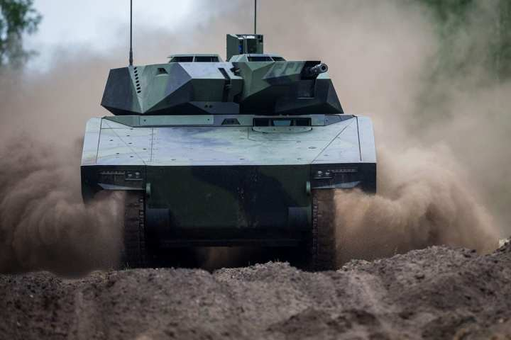 Optionally Manned Fighting Vehicle