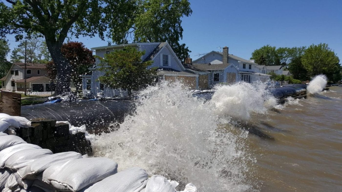 The State of New York purchased several miles of 4ft tall AquaDams, to be deployed along shorefront properties, to mitigate damage from wave action. (AquaDam image)