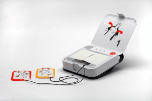 Lifepak CR2 user simplicity with clean lines and smart design