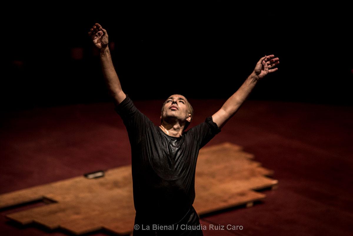 Israel Galván & Le Cirque Romanés - Gatomaquia - La Bienal