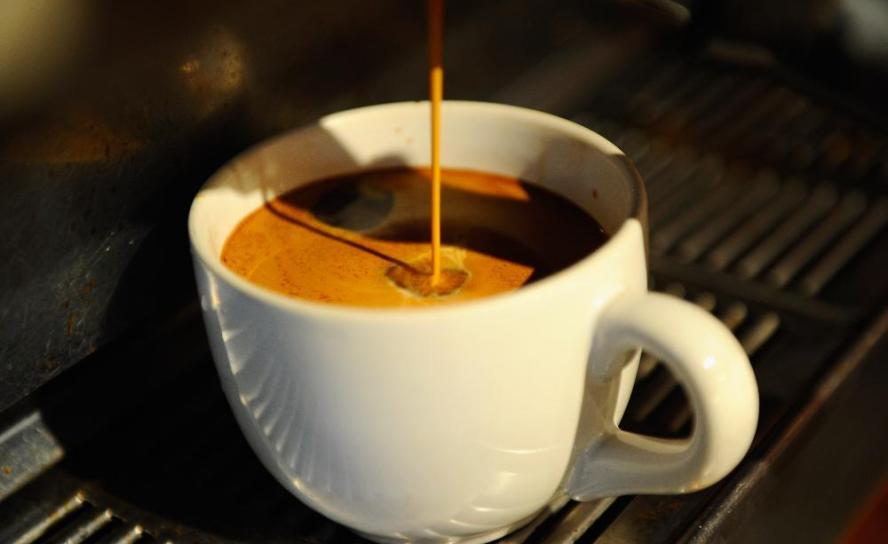 Prendre tres tasses de cafè al dia és saludable i allarga la vida